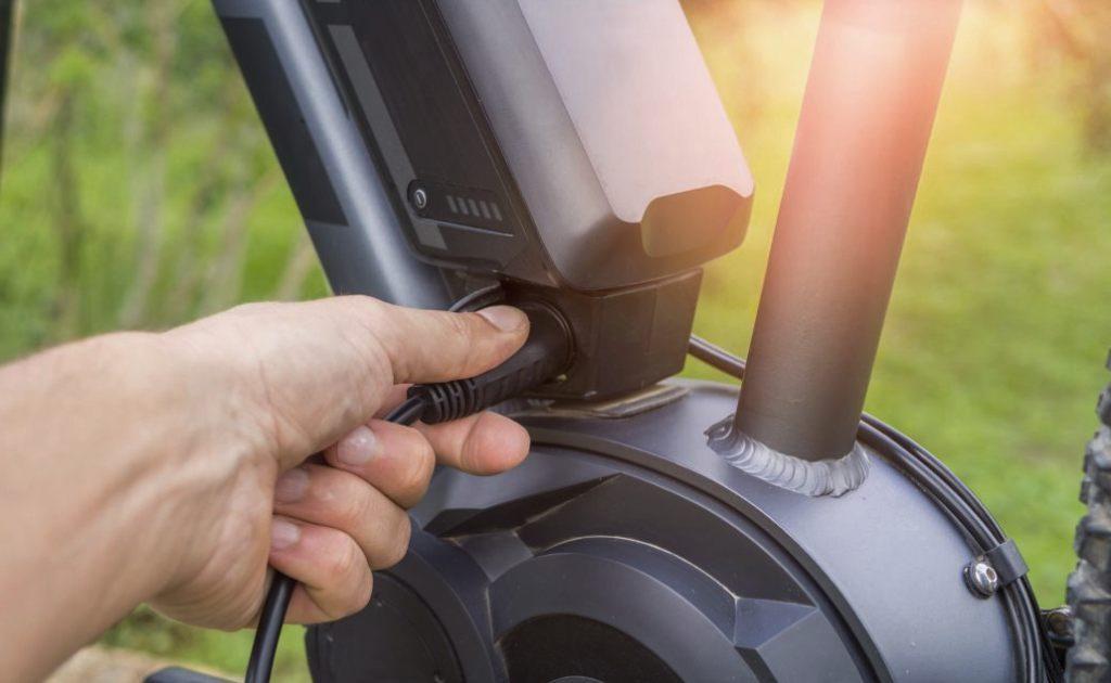 Comment bien recharger la batterie de son VAE?